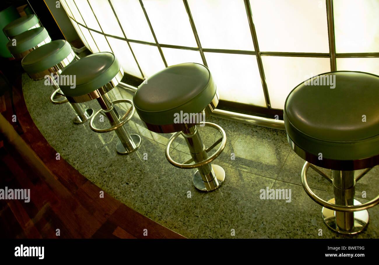 Sgabello da bar in pelle immagini sgabello da bar in pelle fotos
