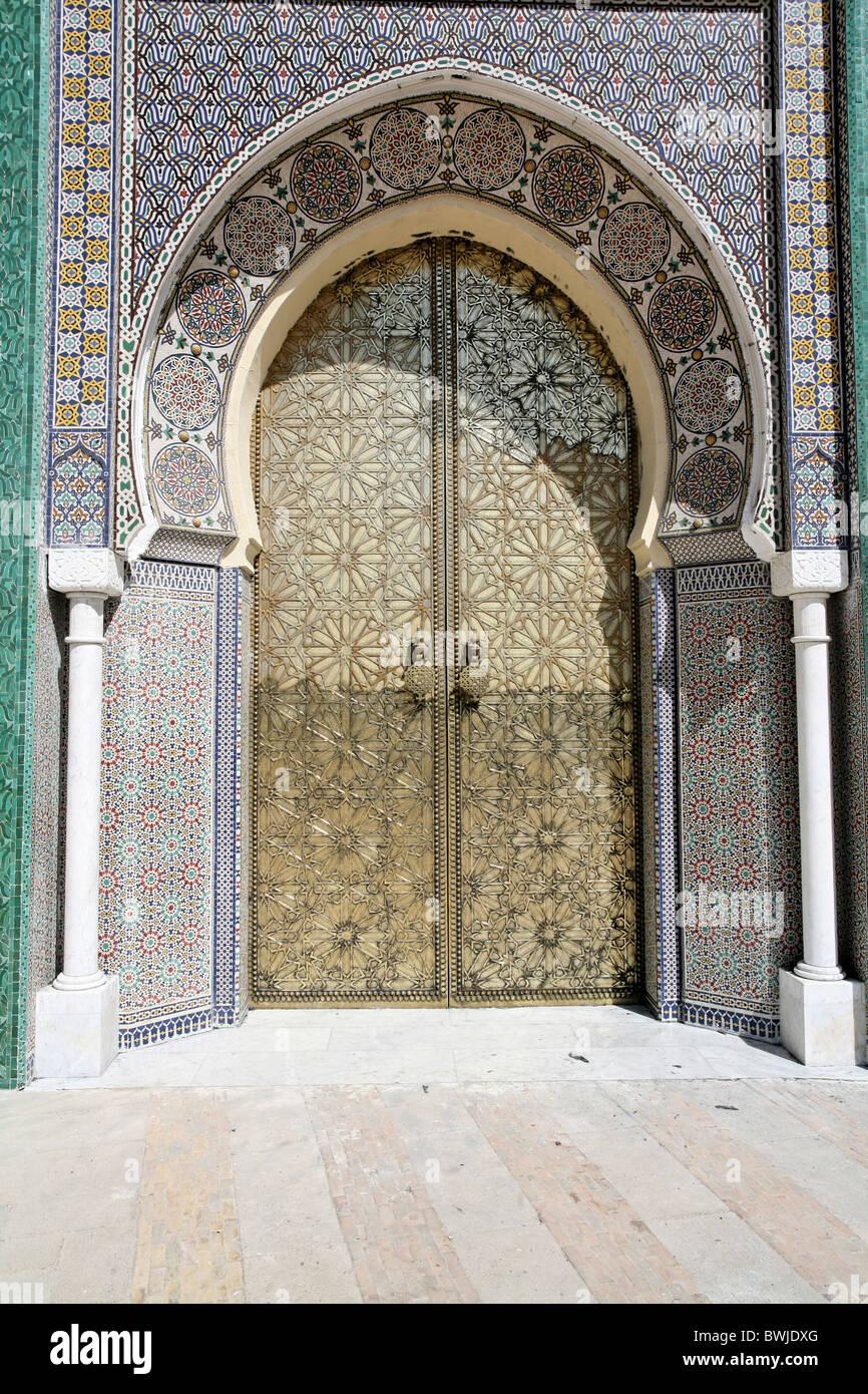 Architettura orientale Oriente Islam porta ingresso gate principale portale di ingresso Fez King palace El Makhzen Immagini Stock