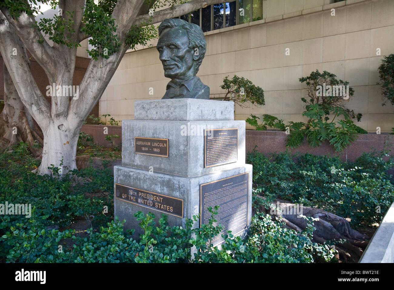 Abraham Lincoln scultura, 1961, da Robert Merrill Gage, Grand Avenue, il centro cittadino di Los Angeles, California, Immagini Stock