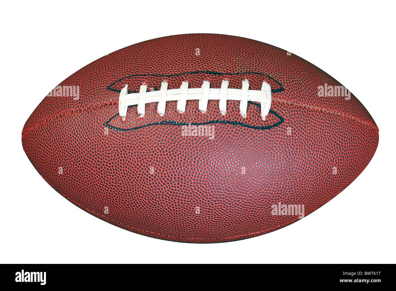 Un american football isolato su sfondo bianco con percorso di clipping fatto utilizzando lo strumento penna. Immagini Stock