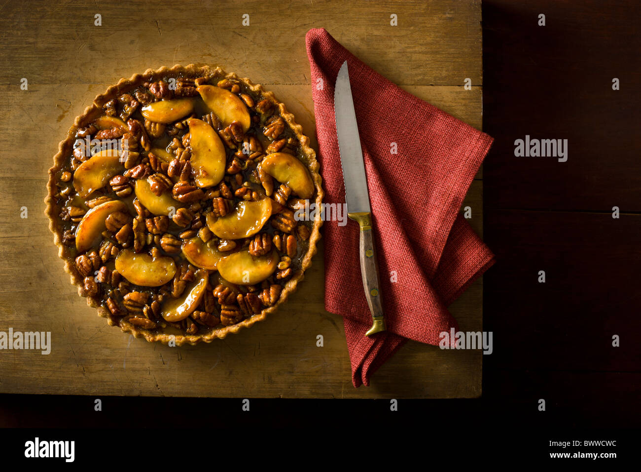 Apple Torta alle noci pecan Immagini Stock