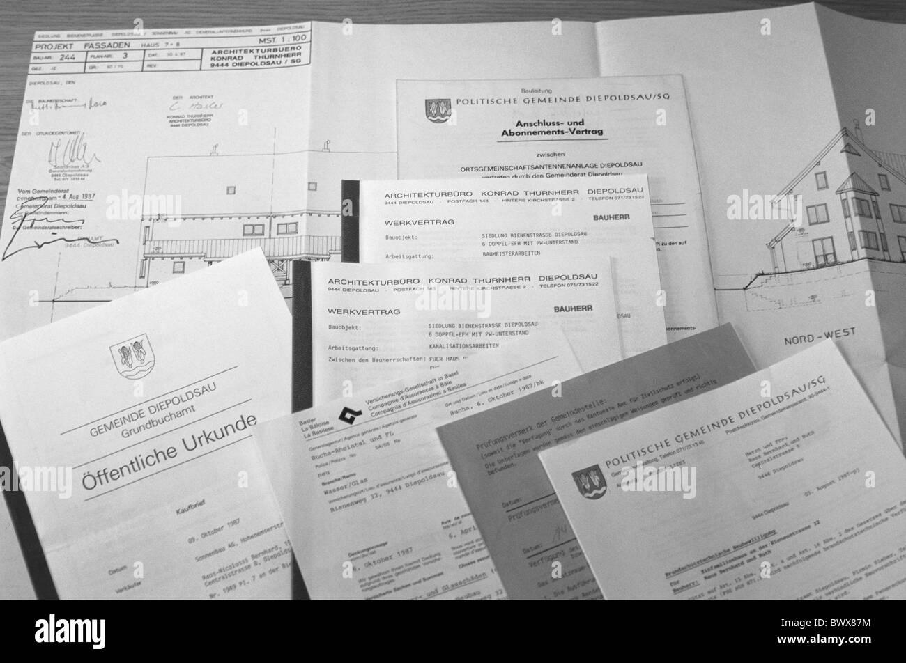 I contratti trattati contratto di costruzione trattato per gli appalti edili autorizzazioni approvazioni modulo Immagini Stock