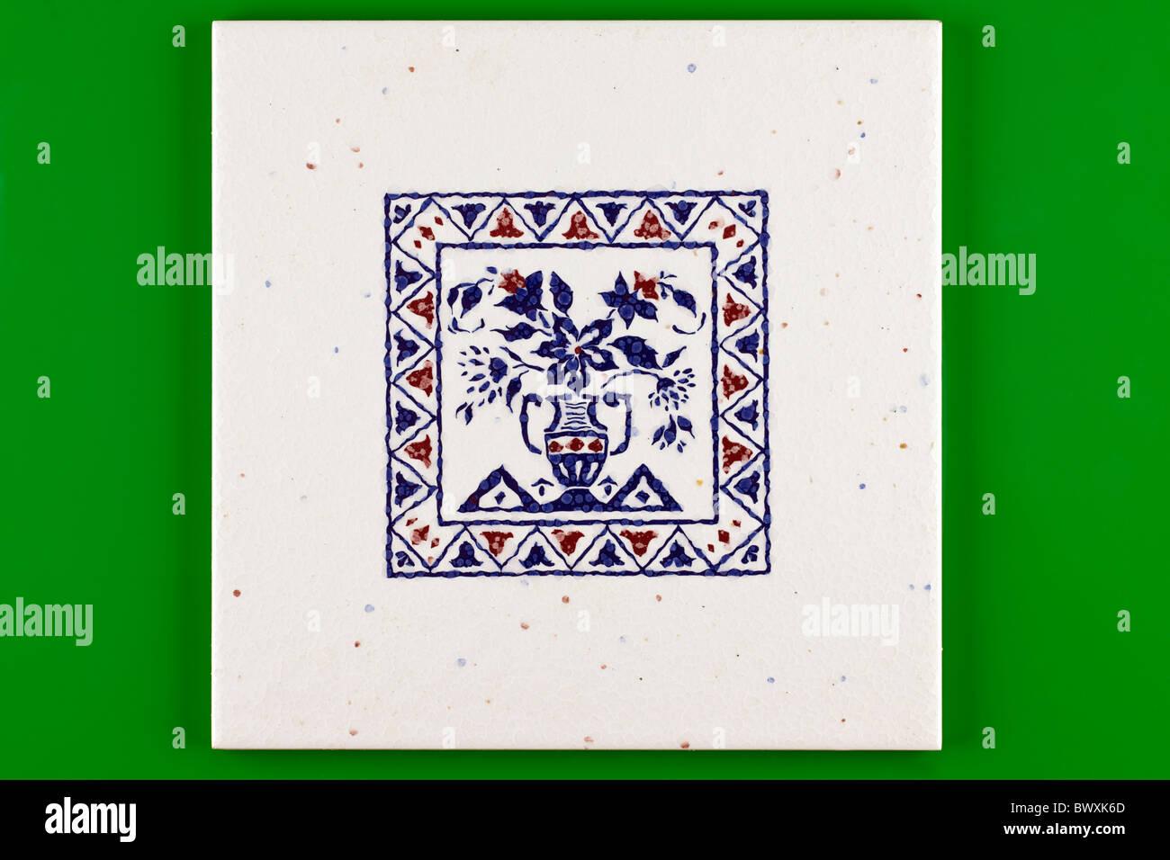 Blu E Bianco Configurato Square Piastrella Ceramica Su Uno Sfondo