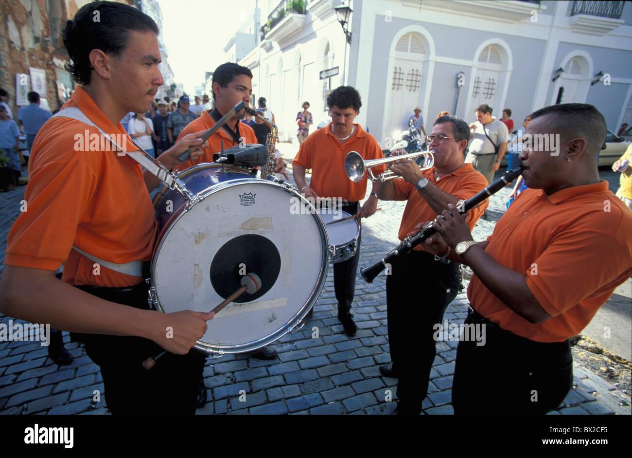 Musicista di strada musicista musica volume di nastro Old San Juan Portorico Caraibi Immagini Stock