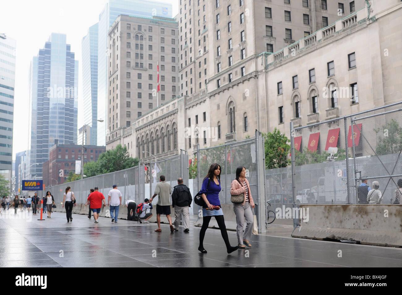 La sicurezza dei preparati in anticipo del giugno 2010 G20 incontri al vertice a Toronto, una catena collegamento Immagini Stock