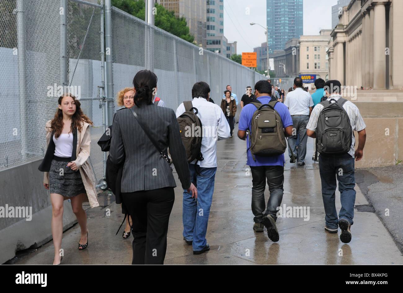La recinzione di sicurezza eretto in anticipo del Toronto vertice G20. Immagini Stock