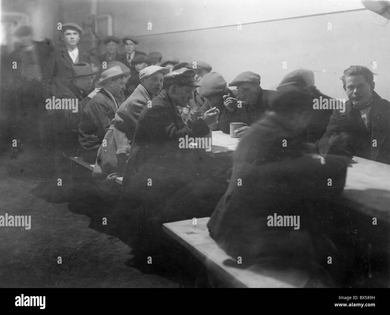 La Cecoslovacchia 1930 la Grande Depressione trasportati oltremare ha portato ad ampia diffusione della povertà Immagini Stock