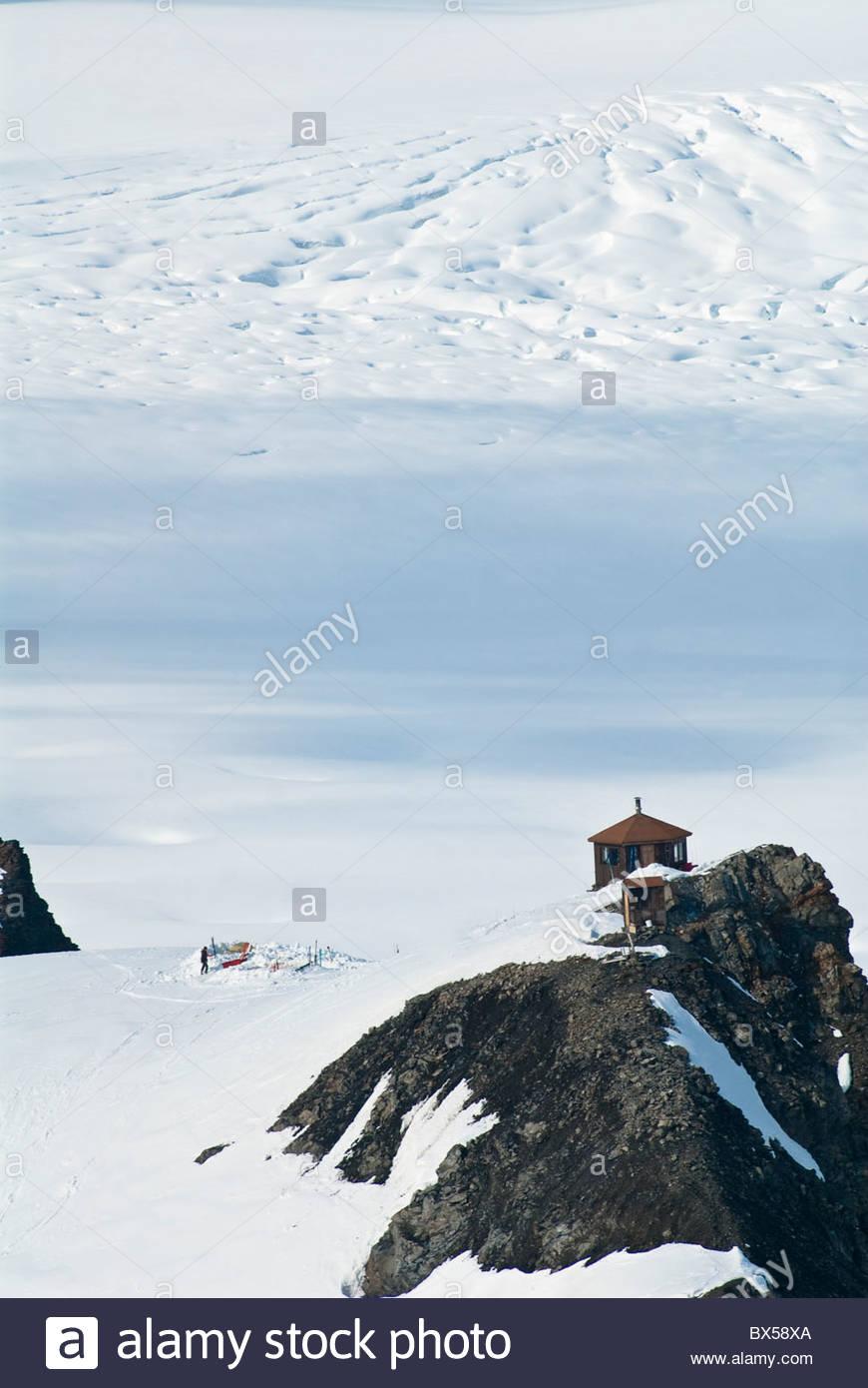 Ruth anfiteatro nel Parco Nazionale di Denali. Vista dalla tele-ski hill dietro il Don Sheldon capanna con un gruppo Immagini Stock