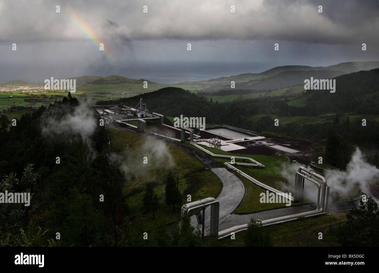 Installazione geotermica nelle Azzorre utilizzato per generare energia/elettricità Immagini Stock