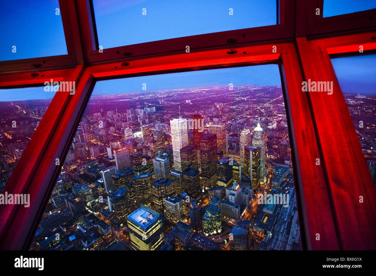 Vista del centro cittadino di Toronto skyline presi dalla CN Tower, Toronto, Ontario, Canada, America del Nord Immagini Stock