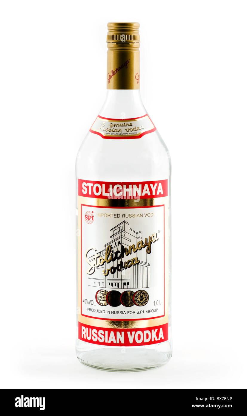 Bottiglia di Stolichnaya vodka russa Immagini Stock