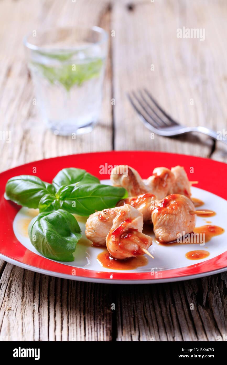 Pollo satay e salsa piccante Foto Stock