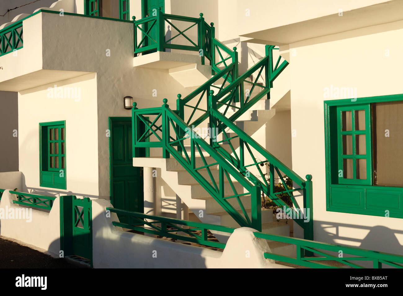 Scala esterna, tipico edificio residenziale, Órzola, Lanzarote, Isole Canarie, Spagna, Europa Immagini Stock