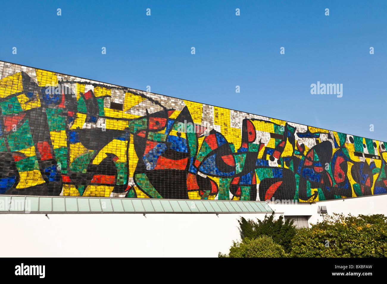 Parete di piastrelle, Joan Miro, WILHELM-hack-museum, Museo d'arte di LUDWIGSHAFEN AM RHEIN, RENANIA-PALATINATO, Immagini Stock