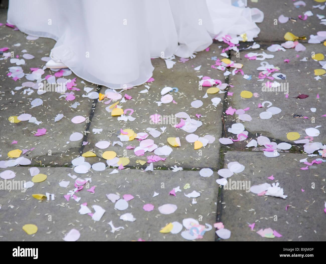 Coriandoli sul pavimento a Wedding Immagini Stock