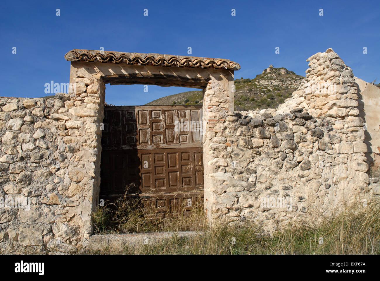Parzialmente ristrutturato finca & vista Costurera Castello, nr Balones, Vall de Seta, Provincia di Alicante, Immagini Stock