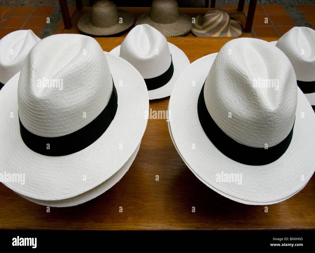 Ecuador. La città di Cuenca. Cappello di Panama. Immagini Stock ffd1a3cbdd76