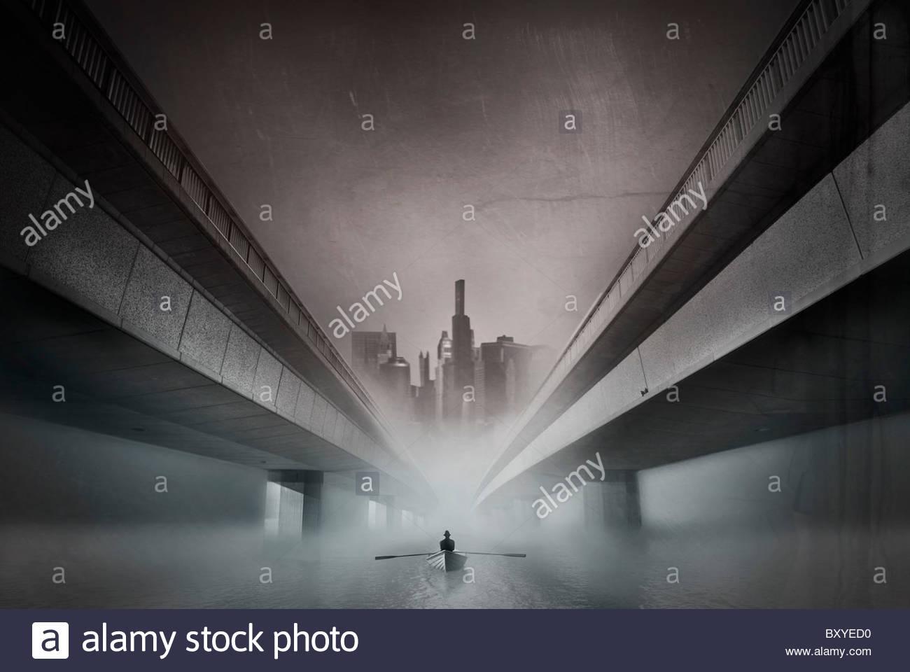 Immagine concettuale della figura maschile remare una barca in un ambiente urbano Immagini Stock