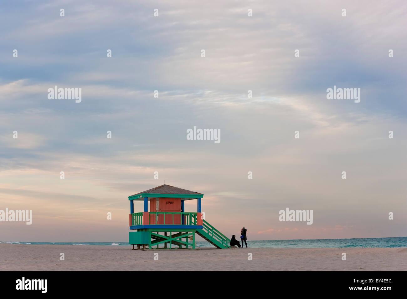 Bagnino Capanna, di mattina presto, South Beach, Miami, Florida, Stati Uniti d'America Immagini Stock