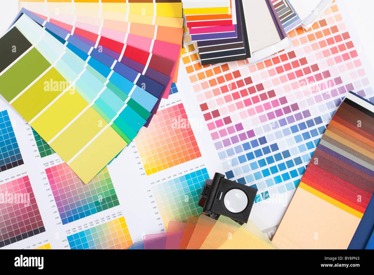 Spettro cromatico di campioni come usato da un designer grafico o pittore Immagini Stock