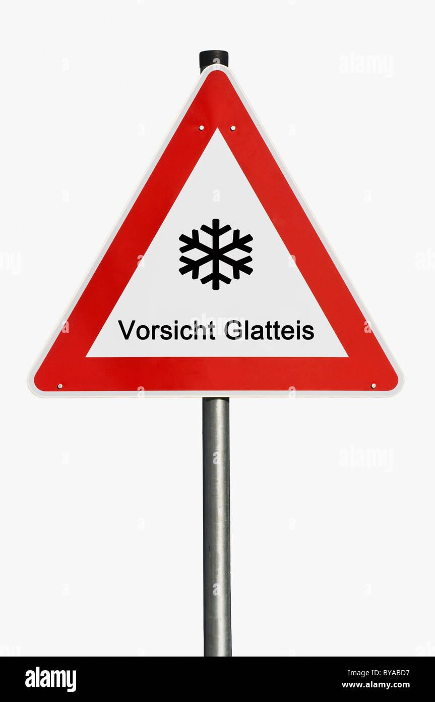 """Segnale di avviso con il simbolo del fiocco di neve, lettering """"Vorsicht Glatteis', tedesco per """"Attenzione! Immagini Stock"""
