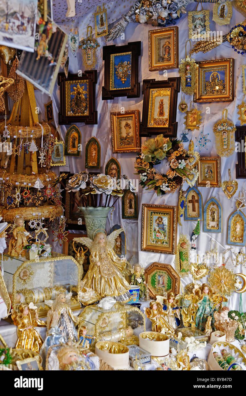 Artigianato religioso da U Muster, Garching, mercato di natale, Kapellplatz, Altoetting, Alta Baviera, Germania, Immagini Stock