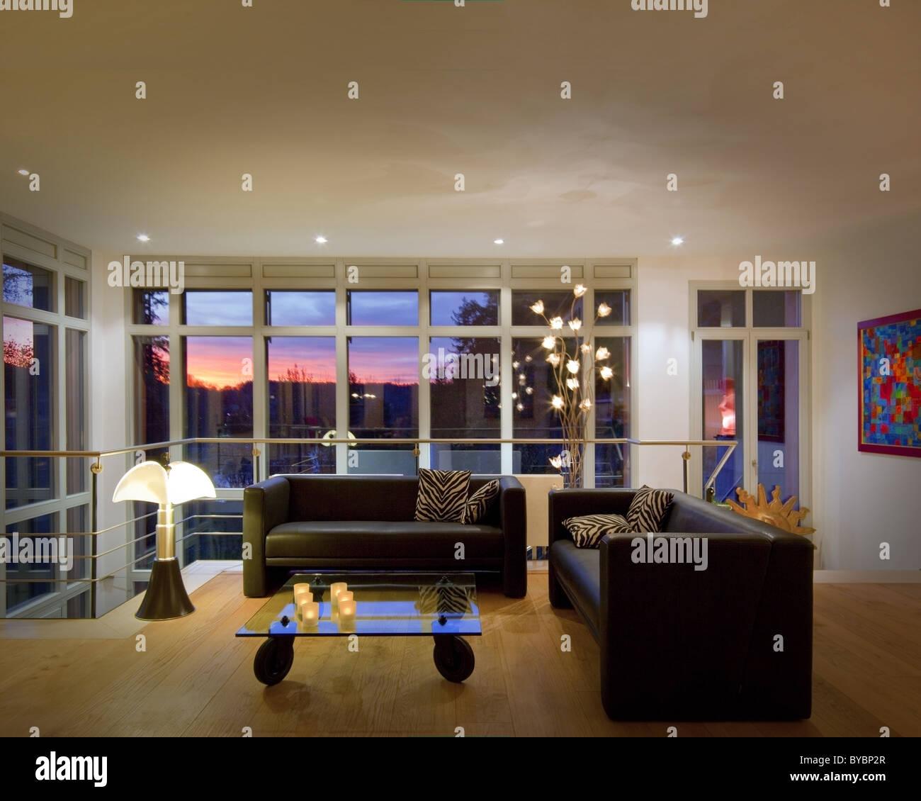 Architettura contemporanea: soggiorno (Germania/Bad Toelz) Immagini Stock