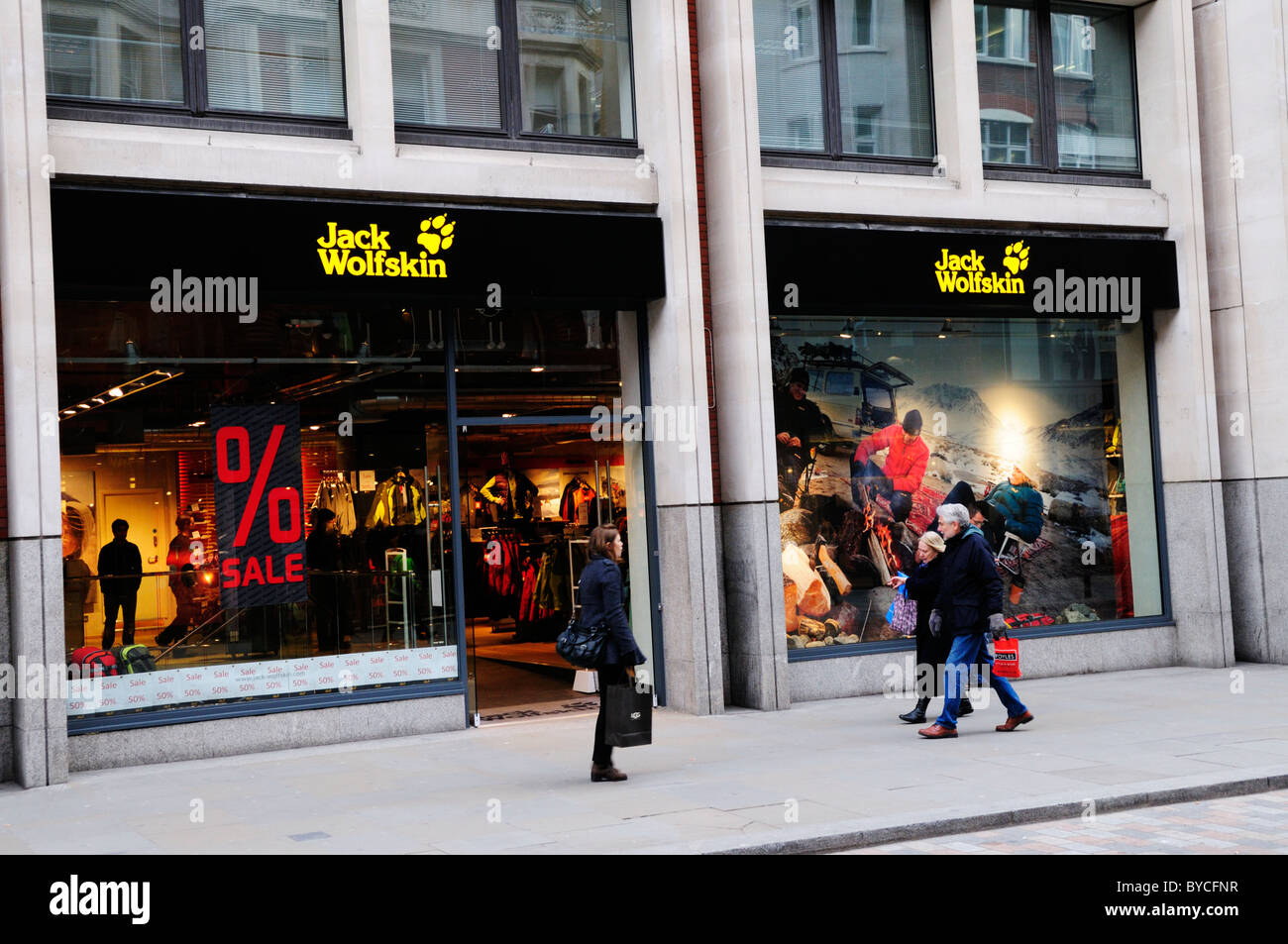 reliable quality new concept sold worldwide Jack Wolfskin abbigliamento outdoor Shop, Long Acre, Covent ...