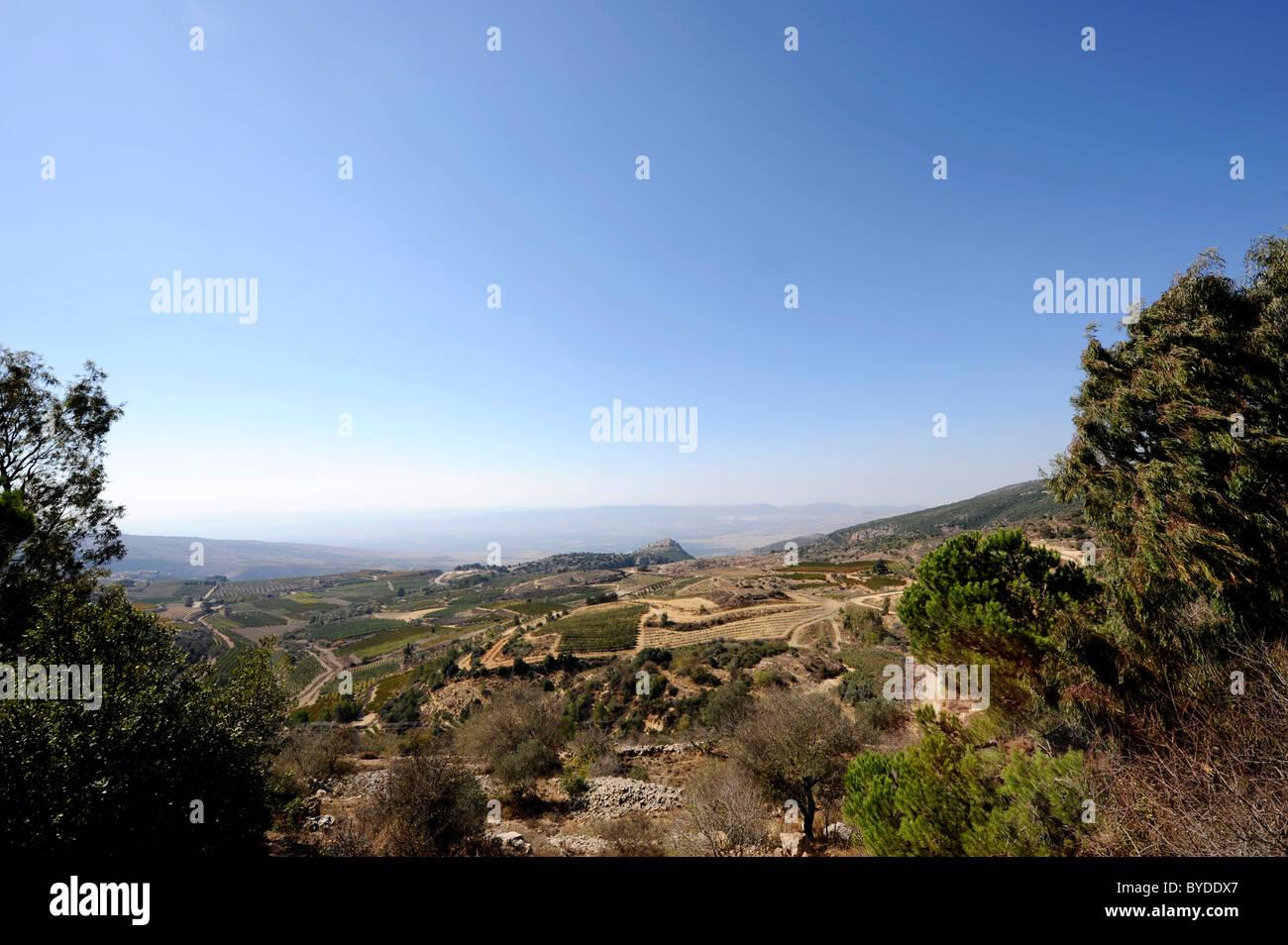 Alture del Golan, in mezzo indietro Nimrod Fortezza, arabo Qala'at al-Subeiba, Golan, Monte Hermon, Israele, Immagini Stock