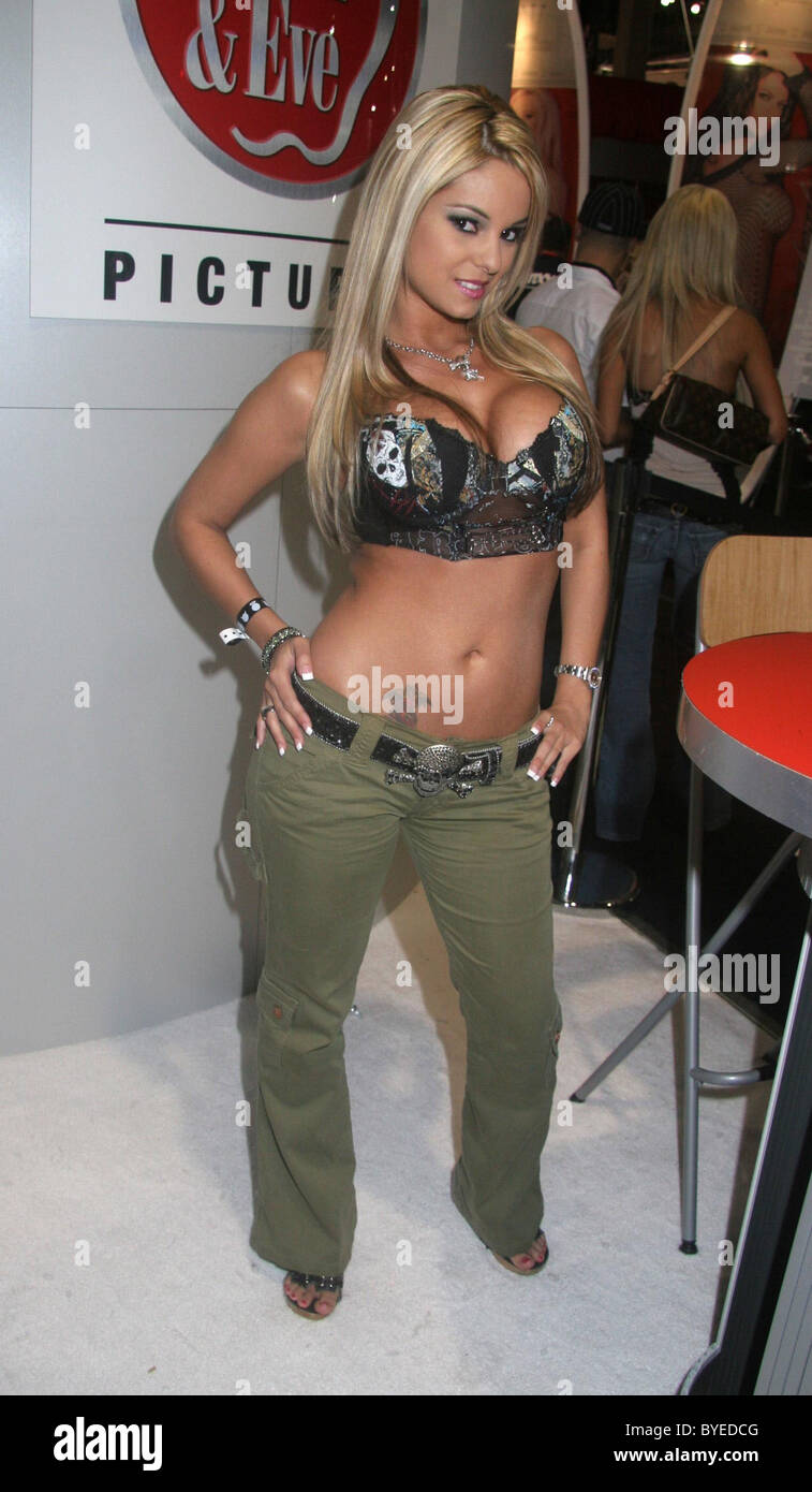 Lindsay Davenport 3 Grand Slam singles titles,Joan Tabor Porno images Courtney Love,Simona Cavallari (born 1971)