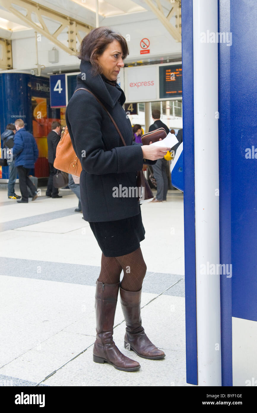 best service 8fe75 54989 Londra Liverpool Street Station smart piuttosto giovane ...