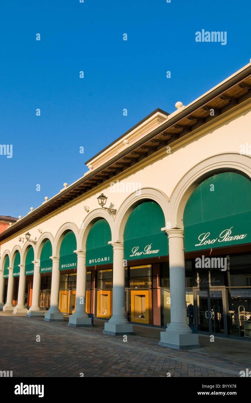 Negozio di Bulgari, Designer Outlet, Serravalle Scrivia ...