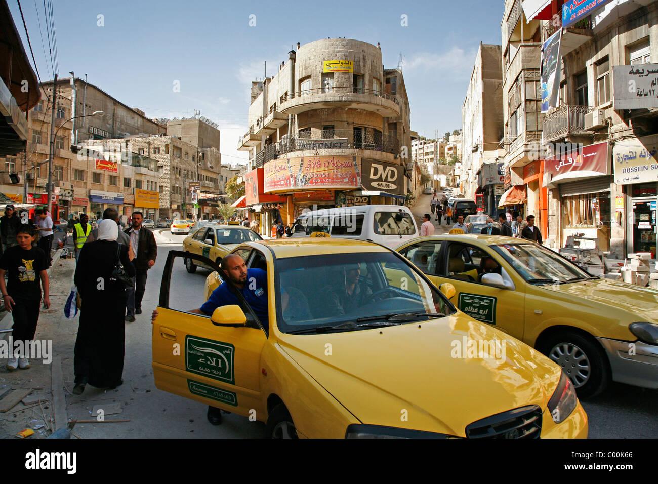 Scena di traffico nel centro di Amman, Giordania. Immagini Stock