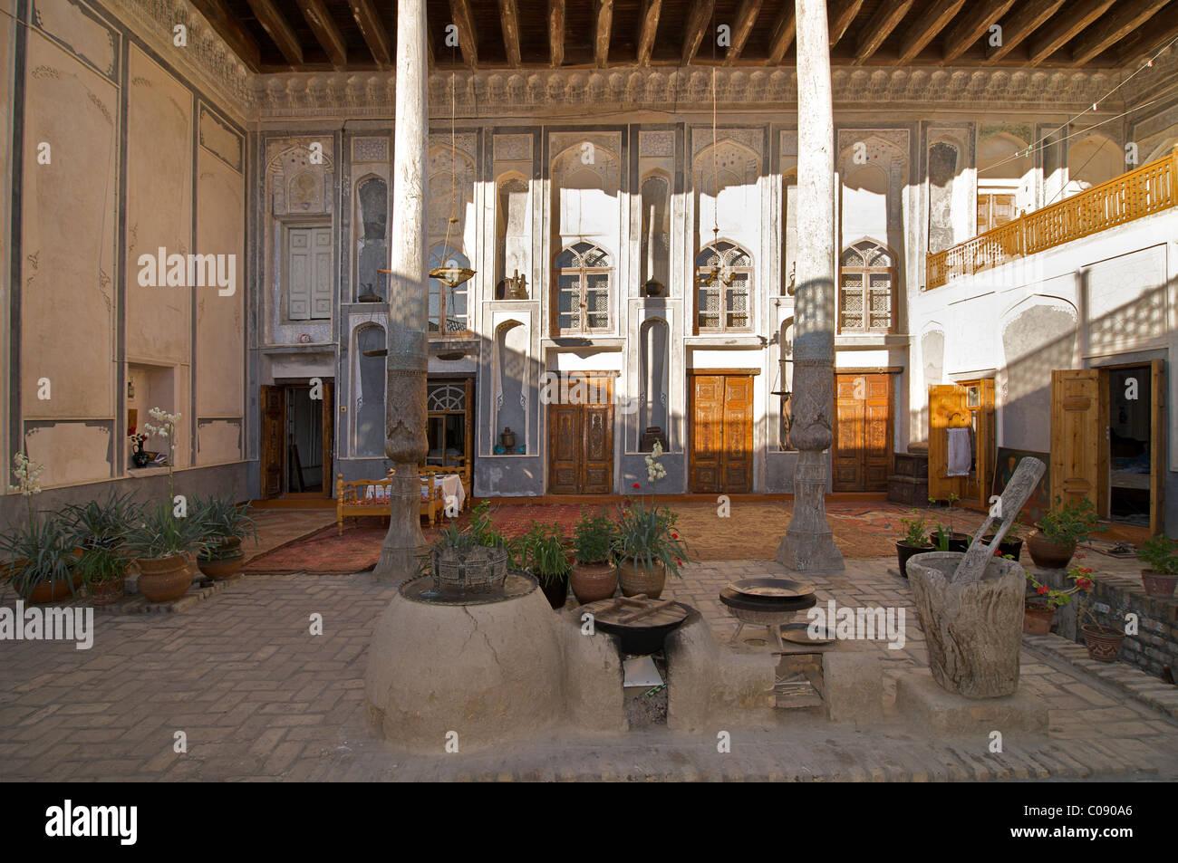 Akbar House Hotel - un tradizionale C19 casa nel quartiere ebraico, Bukhara, Uzbekistan Immagini Stock