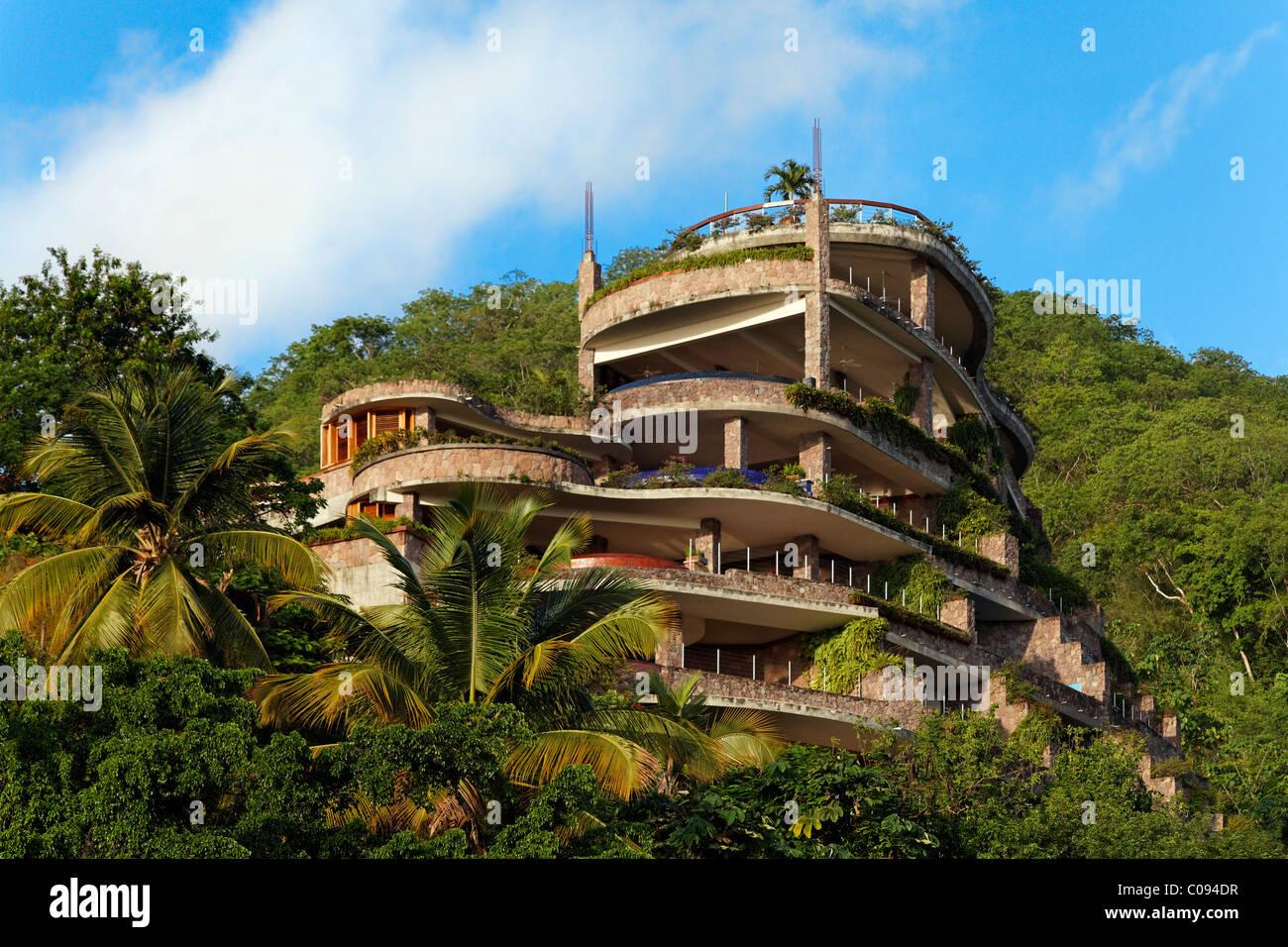 Il Jade Mountain hotel di lusso, nessuna parete esterna, rain forest, Saint Lucia, isole Windward, Piccole Antille, Immagini Stock