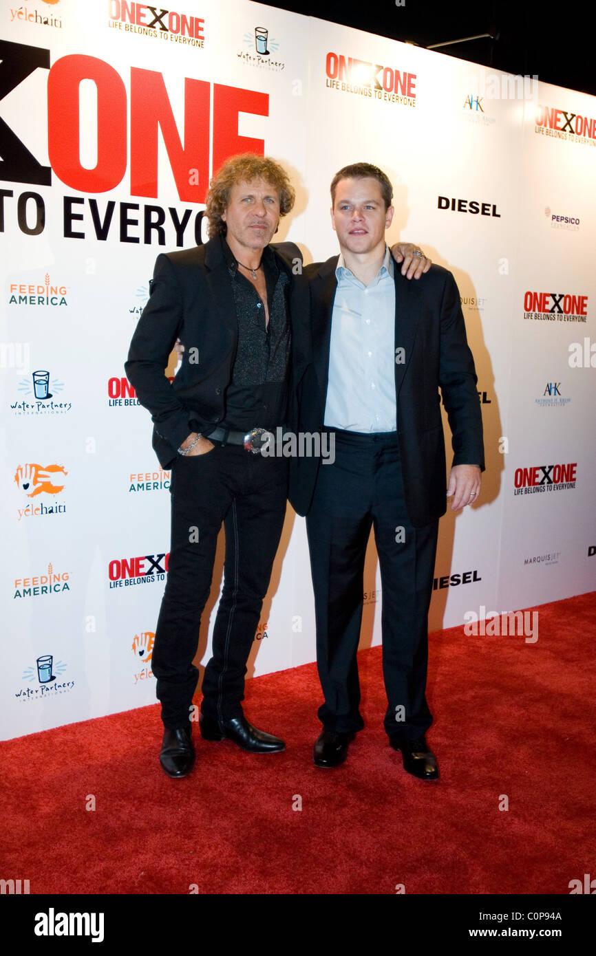 the latest 736f2 412ca Fondatore di abbigliamento Diesel Renzo Rosso e Matt Damon ...