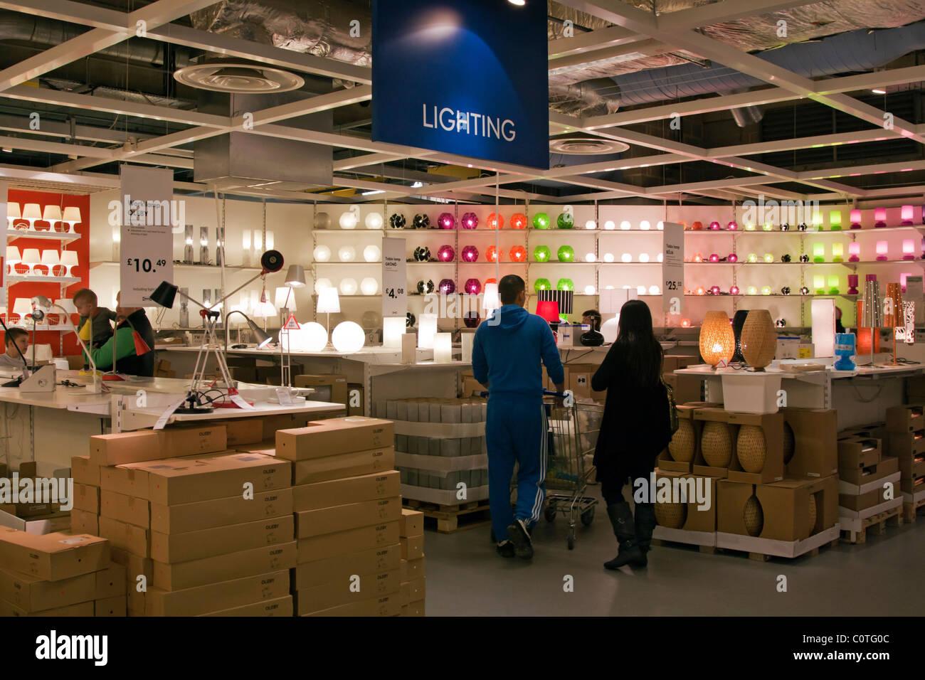 Dipartimento di illuminazione negozio ikea wembley londra foto