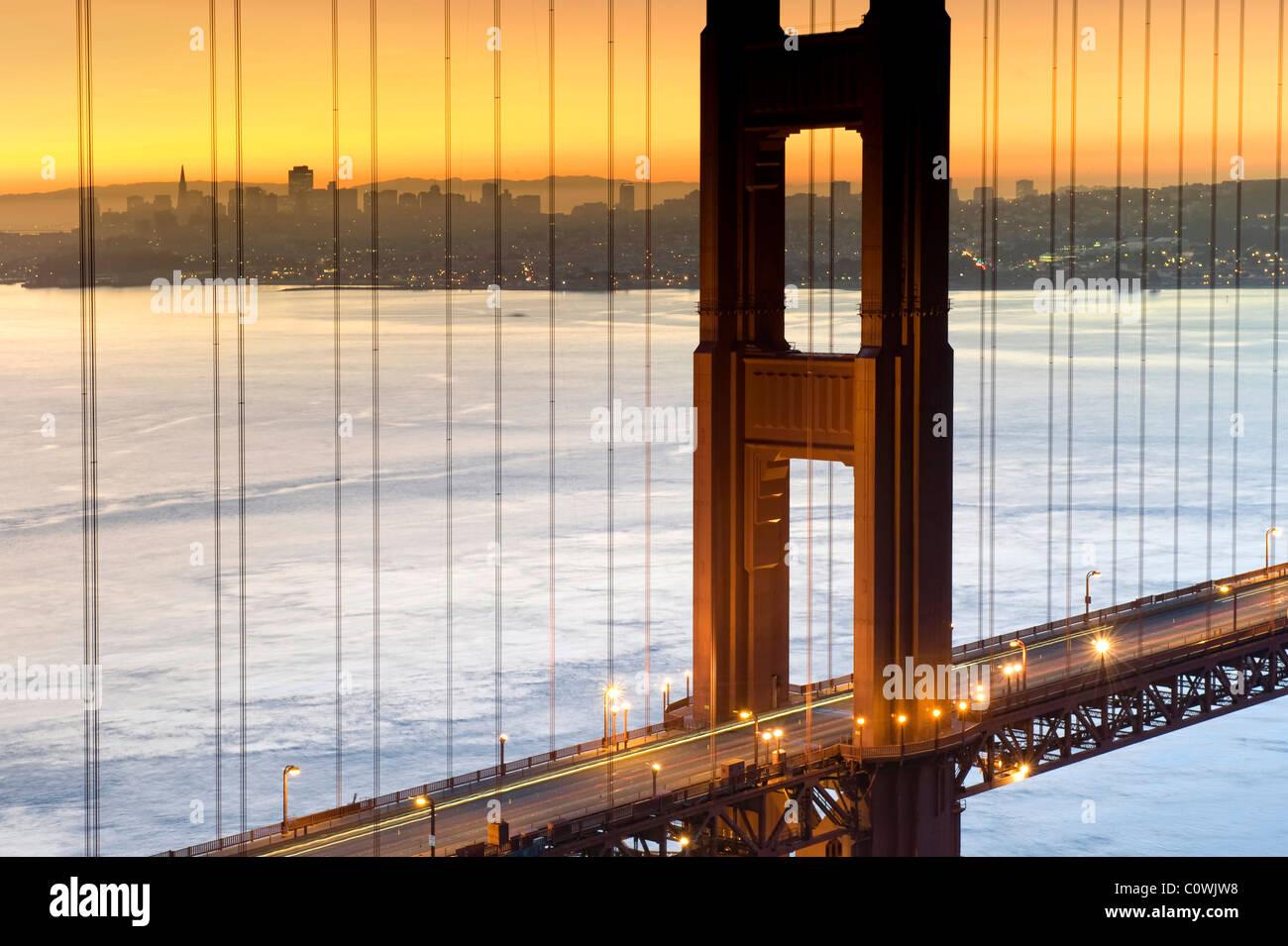 Stati Uniti, California, San Francisco, skyline della città e il Golden Gate Bridge Immagini Stock