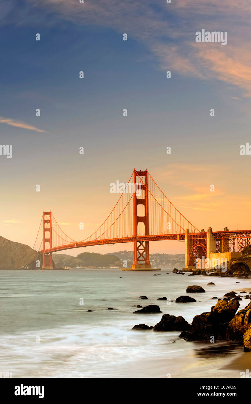 Stati Uniti, California, San Francisco, Baker's Beach e il Golden Gate Bridge Immagini Stock