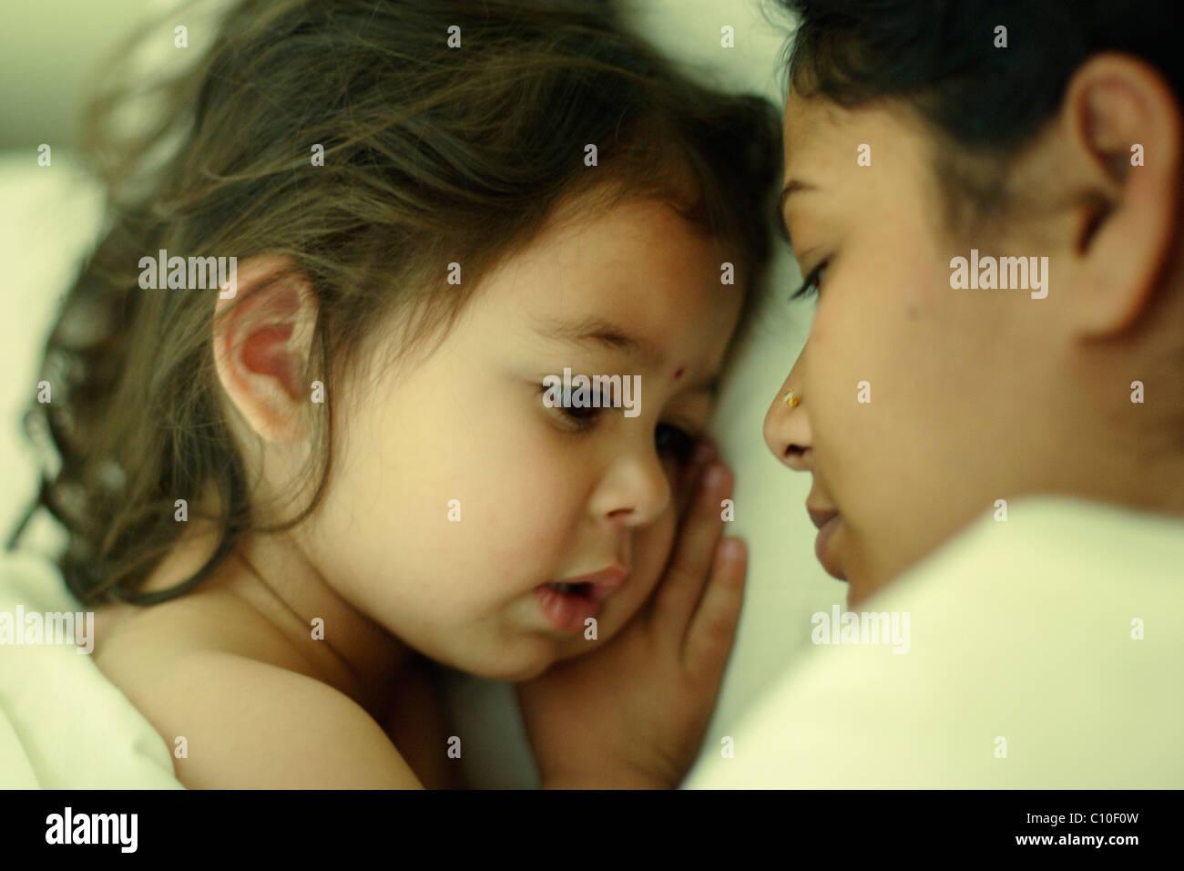 Madre e figlia. Immagini Stock