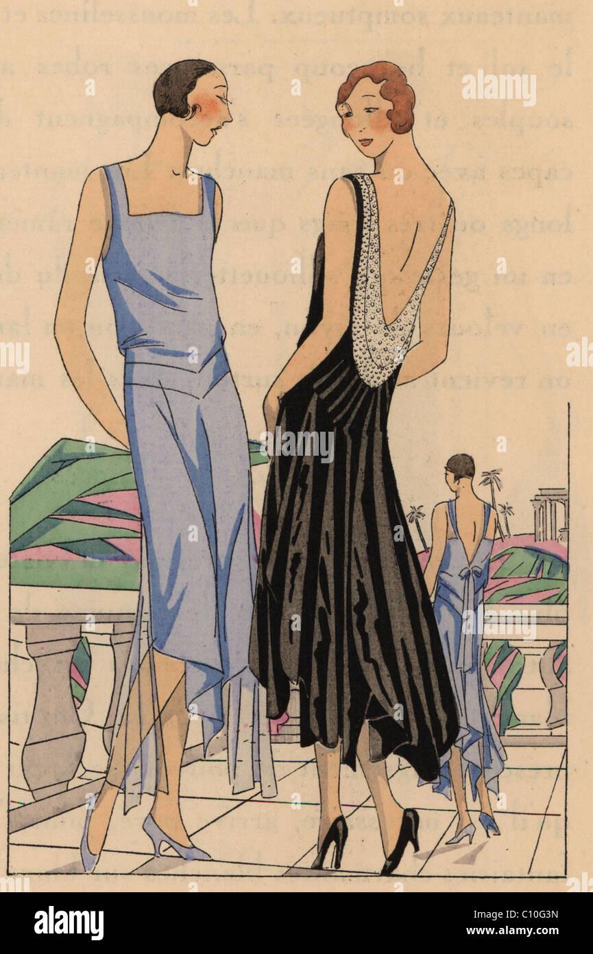 0b9825c3cd44 La donna nel pomeriggio vestito in cielo in raso blu e la donna in abito da
