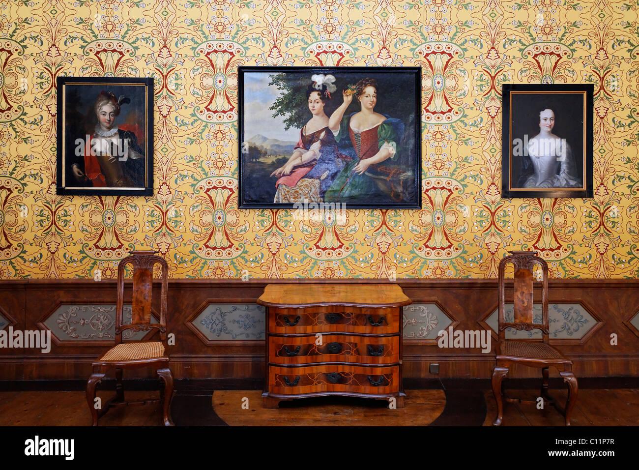 Sala barocca con gli storici dipinti e mobili d'epoca, il museo del castello, Quedlinburg, Harz, Sassonia-Anhalt, Immagini Stock