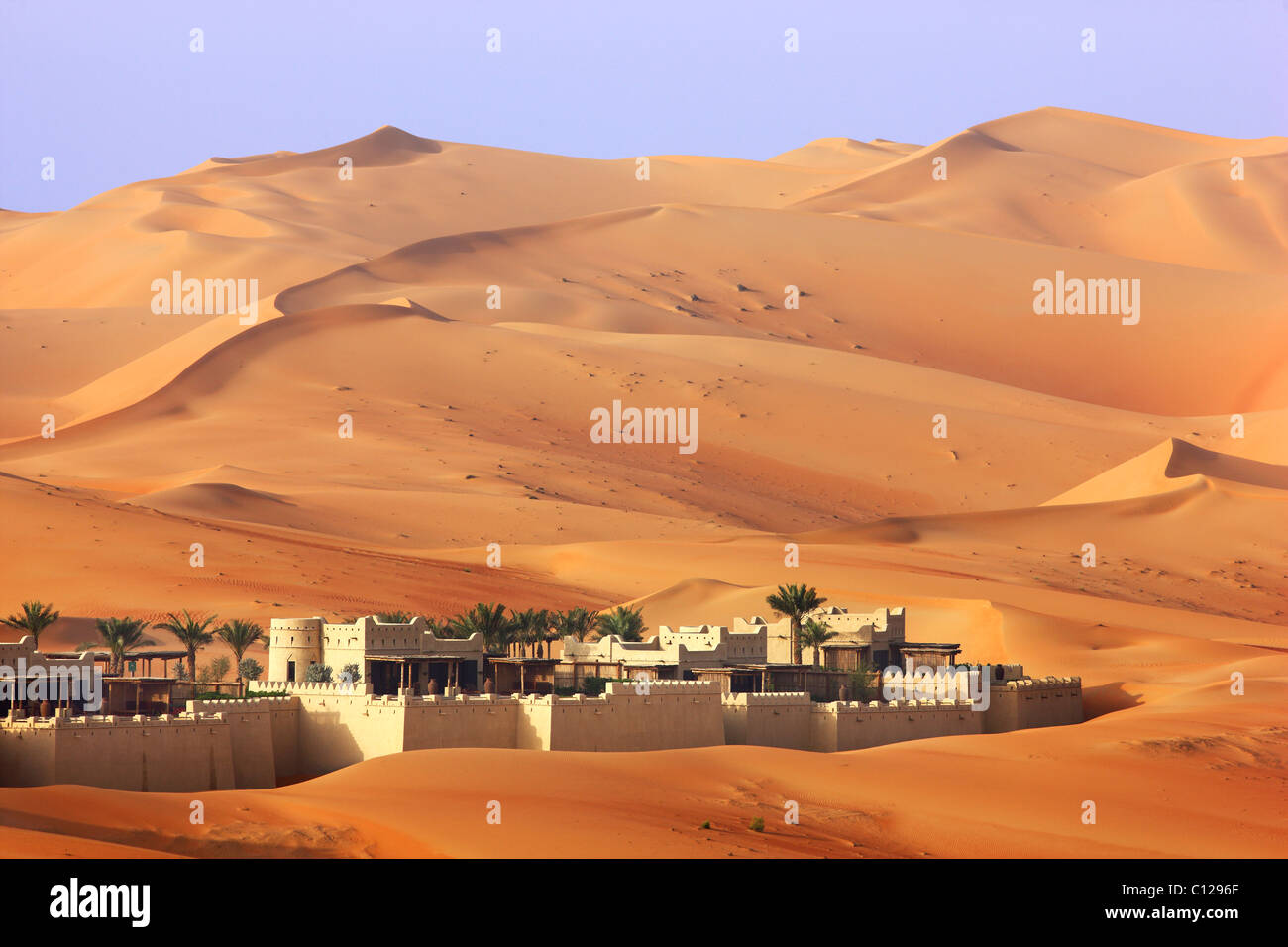 Anantara Qasr al Sarab, hotel resort di lusso hotel nel deserto, in Rub Al Khali desert, Empty Quarter, Abu Dhab Immagini Stock
