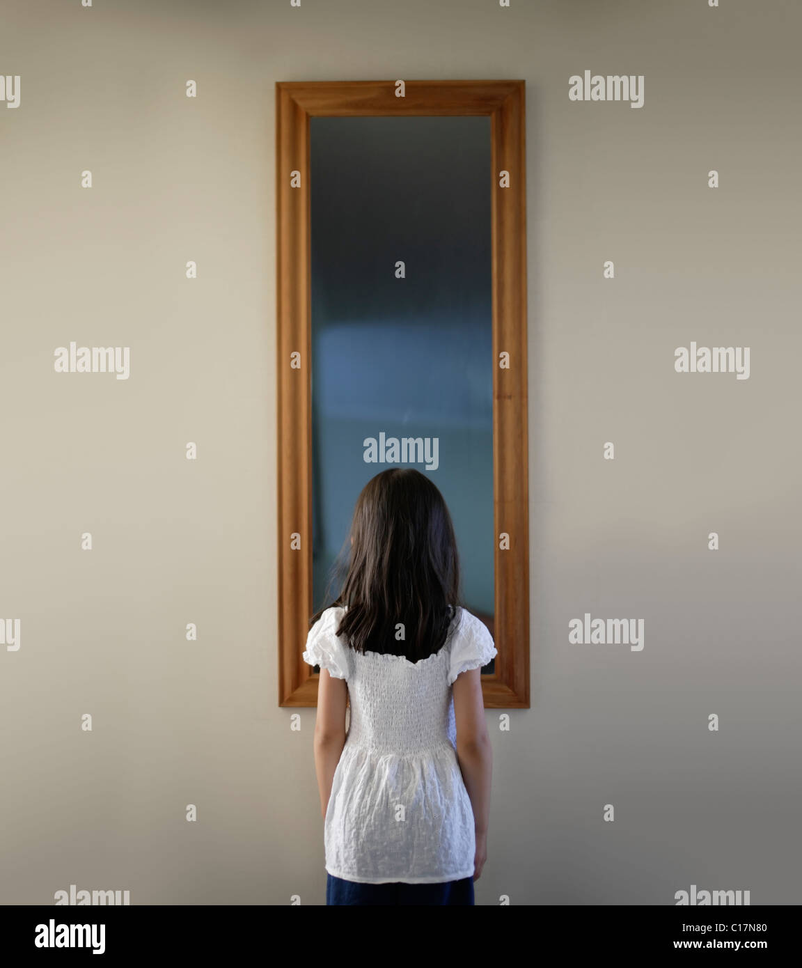 Specchio specchio sulla parete Immagini Stock