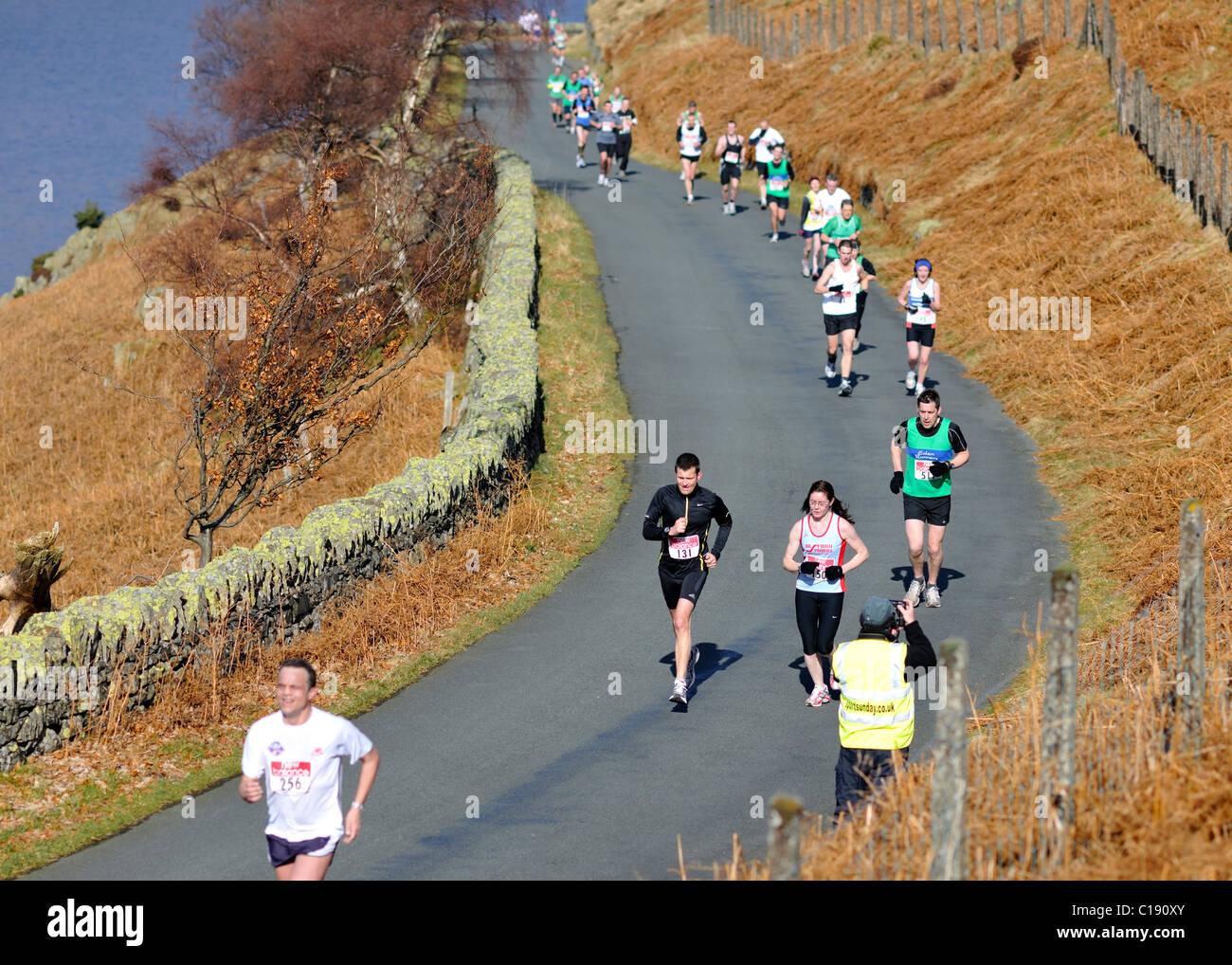 Acquisizione delle immagini di mezza maratona concorrenti, Scafell, Cumbria, Inghilterra Immagini Stock