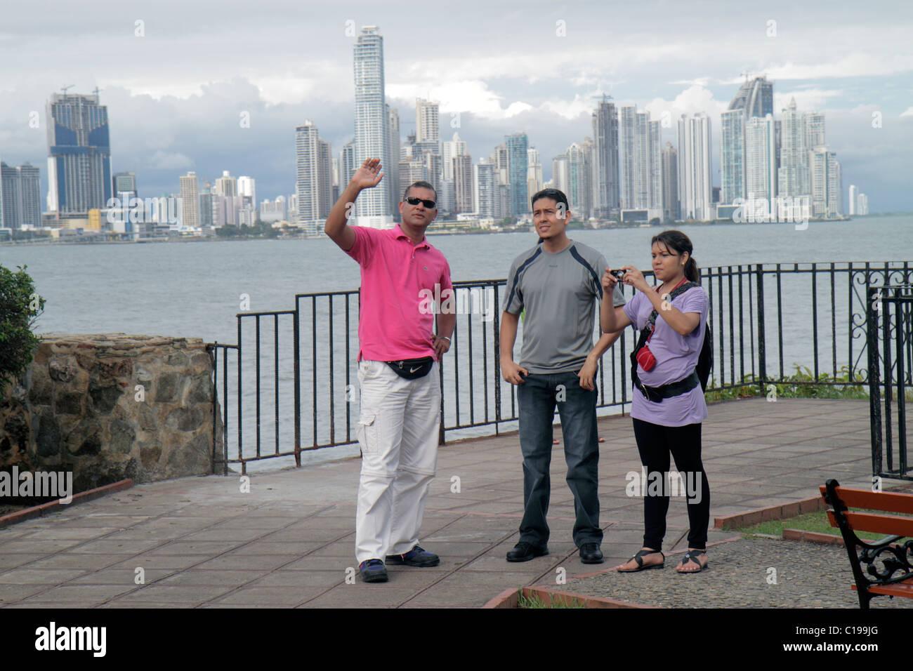Città di Panama Panama Casco Viejo San Felipe Bahia de Panama Oceano Pacifico dal lungomare vista dello skyline Immagini Stock