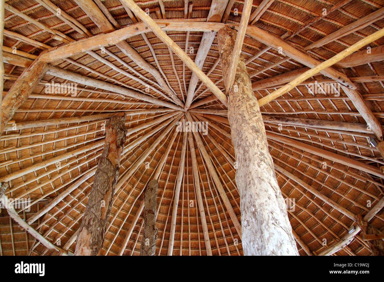 Capanna tradizionale palapa cabina tetto sun wiev from sopra l'architettura del Messico Immagini Stock