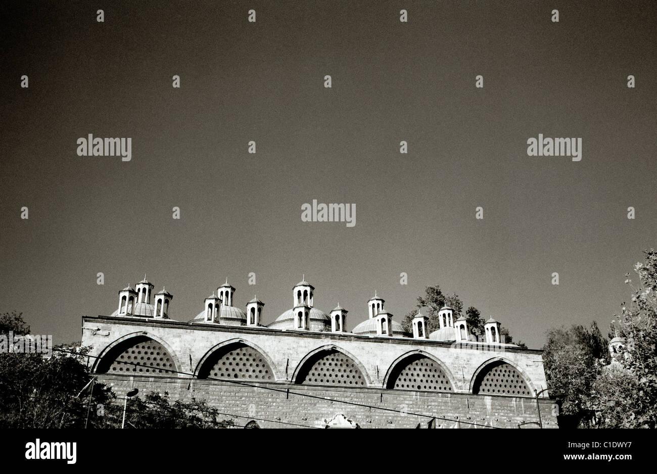 Architettura islamica di Istanbul in Turchia nel Medio Oriente asiatico. Costruzione della moschea minareto islam Immagini Stock