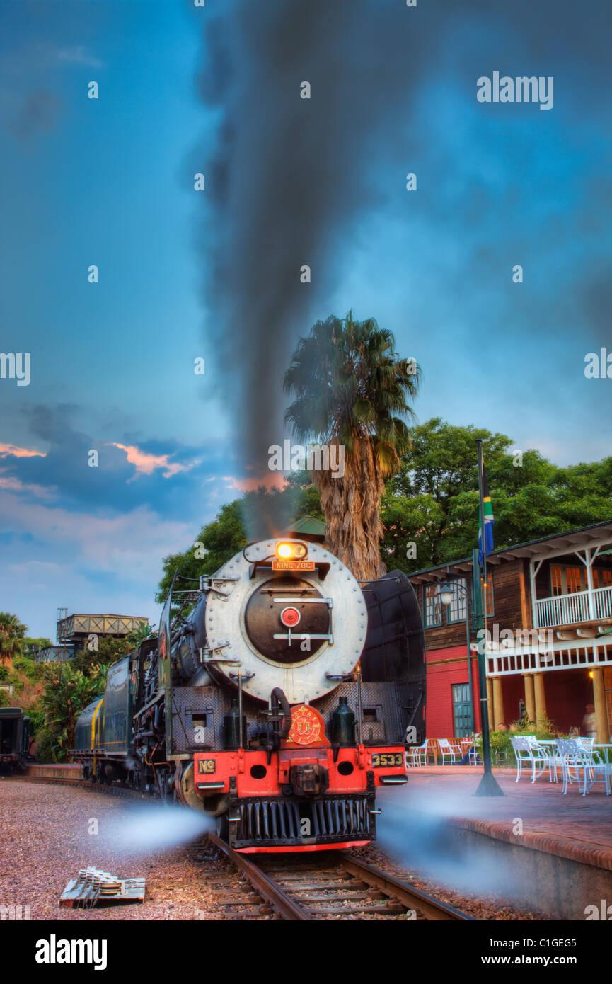 Splendidamente ricostruite treno classico che formano parte del lussuoso e di proprietà privata Rovos Rail Immagini Stock