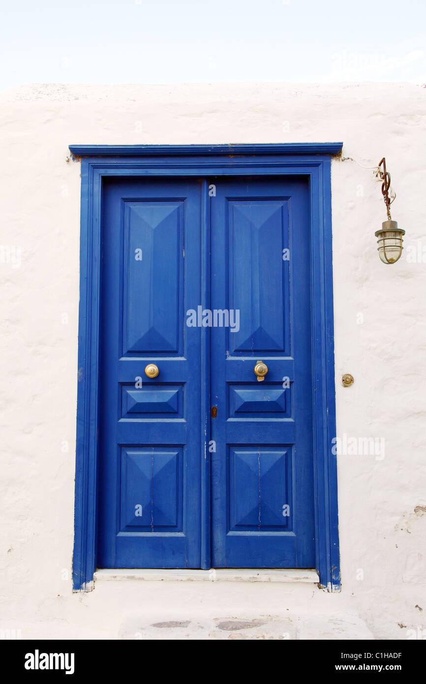Vecchio Blu scuro porta Immagini Stock